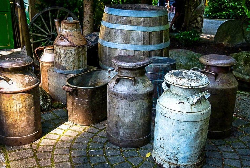 water barrels / Public Domain / pxhere